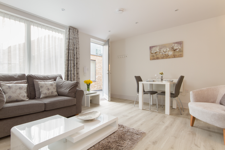 Cambridge living room serviced apartments